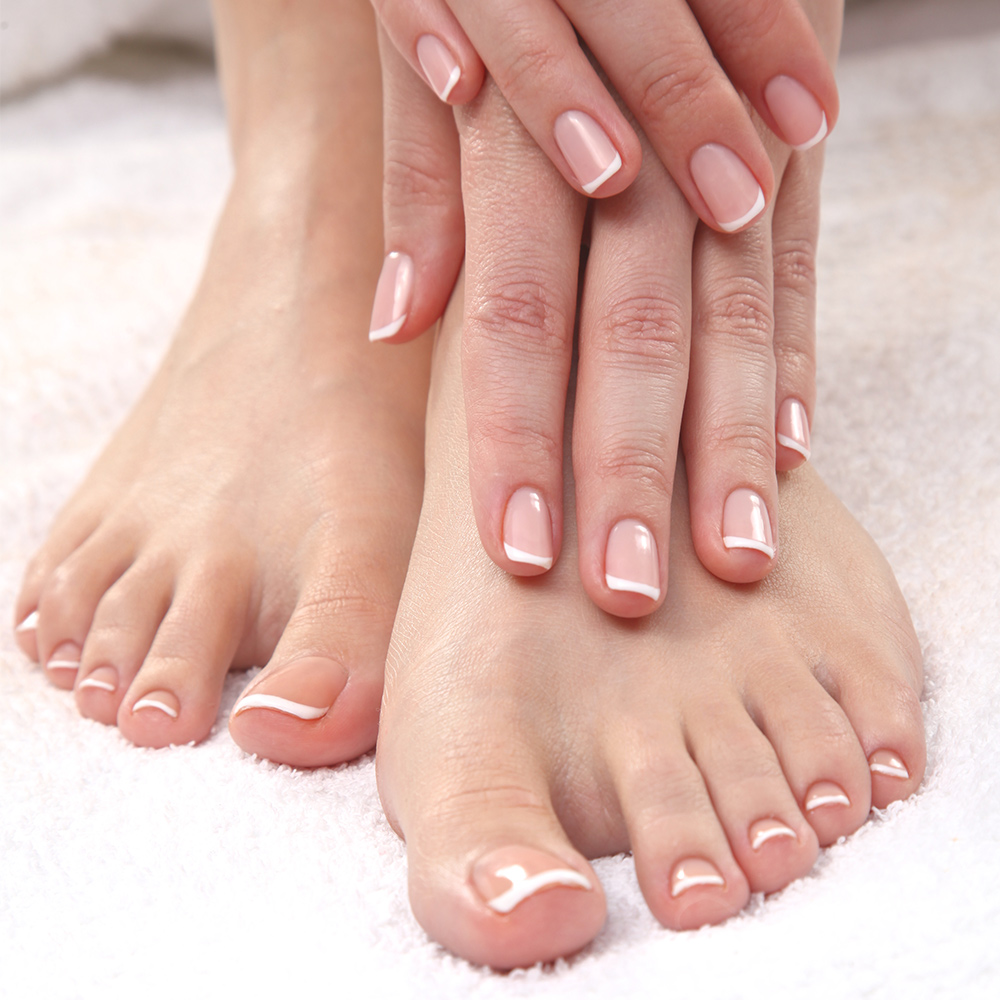piękne-paznokcie-u-rąk-i-stóp